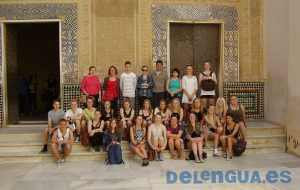 Learning Spanish during a guided visit of the Alhambra and Generalife with a school group from Viborg Katedralskole